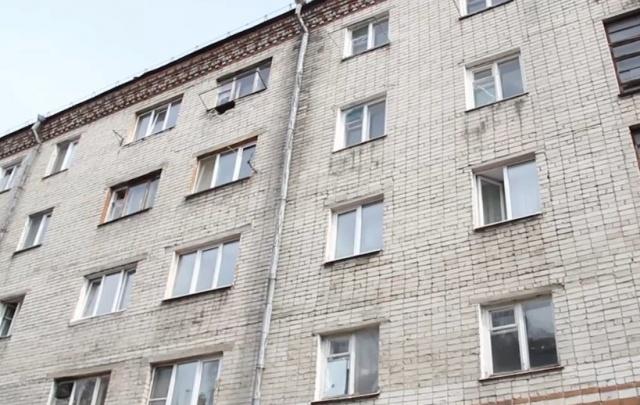 Аварийные пятиэтажку на Харьковской и пансионат на Туполева снесут в этом году