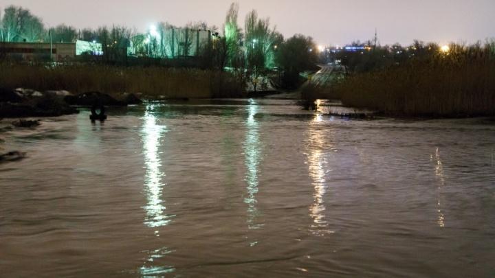 Уже две реки в Волгоградской области угрожают безопасности людей