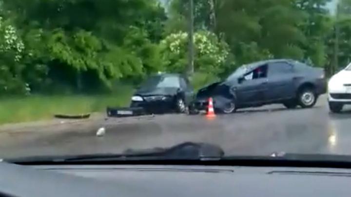 «Рено» смял три машины: ищут свидетелей крупного ДТП в Ярославском районе