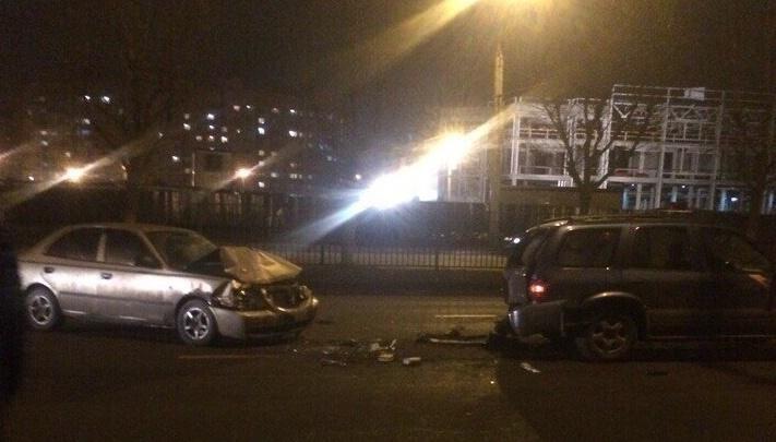 В Ярославле насмерть задавили мужчину, который вышел из авто, чтобы поправить трос