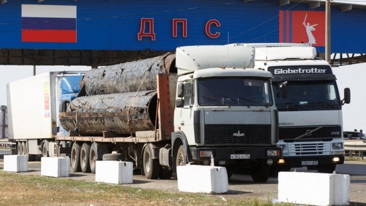 Плавящиеся от жары дороги Волгограда добивают перегруженные фуры