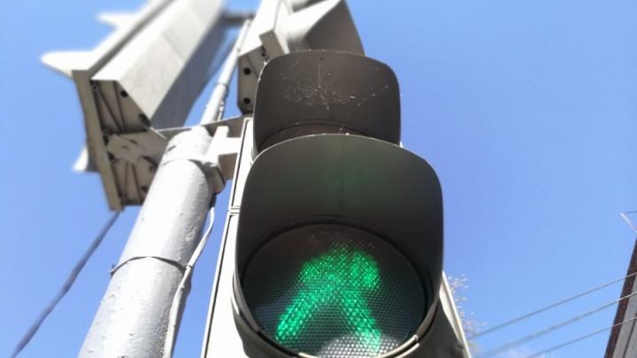 Волгоградцы жалуются на предательские светофоры рядом со стоп-линиями