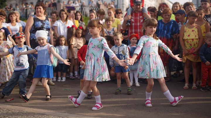 «Один в один»: в Ярославской области пройдет конкурс близнецов