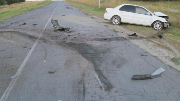 В Клетском районе в лобовом ДТП с Mitsubishi погиб водитель Ford