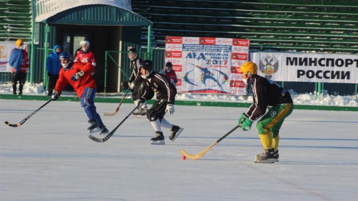 Любители выходят на лед: в Архангельске стартует чемпионат Поморья по хоккею