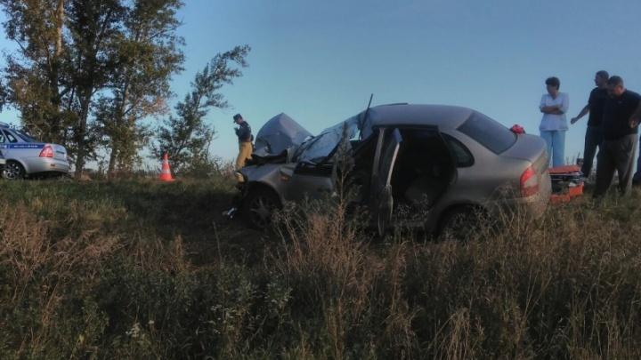 В Самарской области трактор «Беларусь» столкнул LADA на обочину