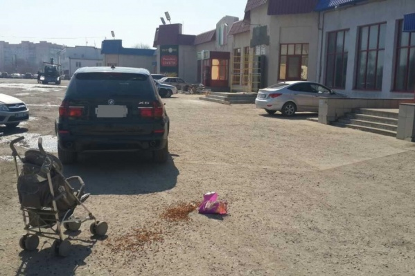 Автомобилист не увидел ребёнка, когда двигался задним ходом