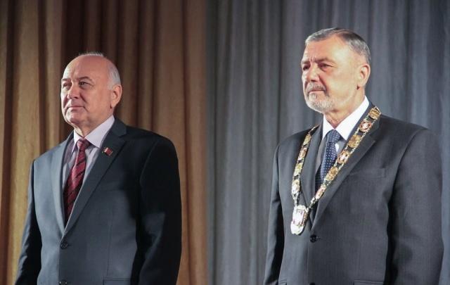 Без фуршета: в Копейске прошла инаугурация мэра Владимира Можина