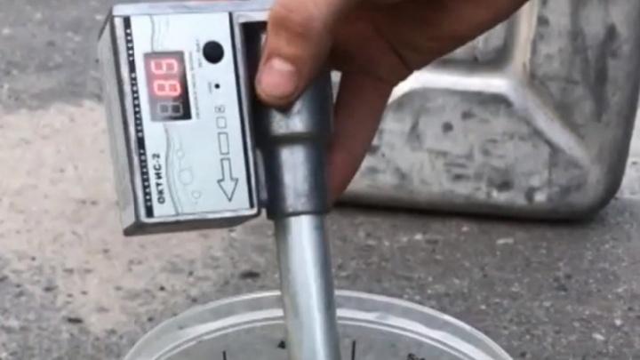Автомобилисты из Северодвинска нашли на городских заправках низкооктановый бензин