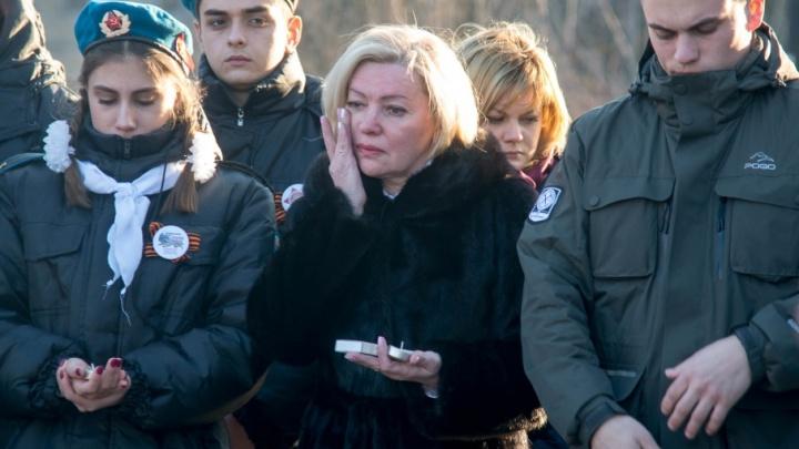 Волгоградцы зажгли полсотни свечей в память о погибших в Кемерово детях