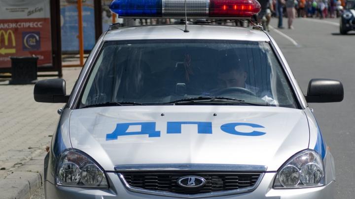 В массовой аварии в Ростовской области пострадали пять человек