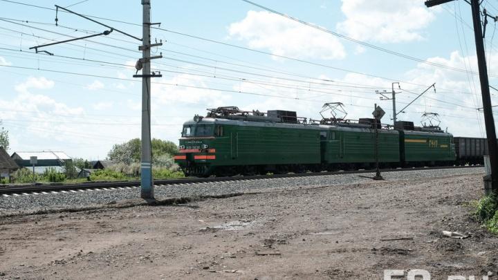 В Кунгуре грузовой поезд сошел с рельсов