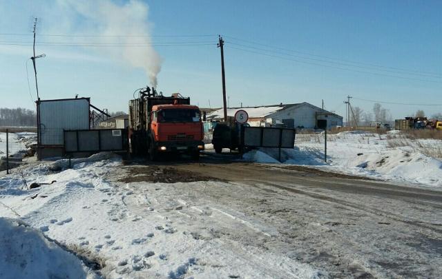 «Мы задыхаемся, люди болеют»: жители поселка под Челябинском пожаловались на незаконную свалку