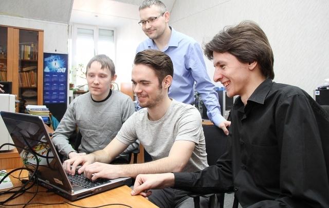 Зовут в Facebook и IBM: пермяки выступят на чемпионате мира по программированию