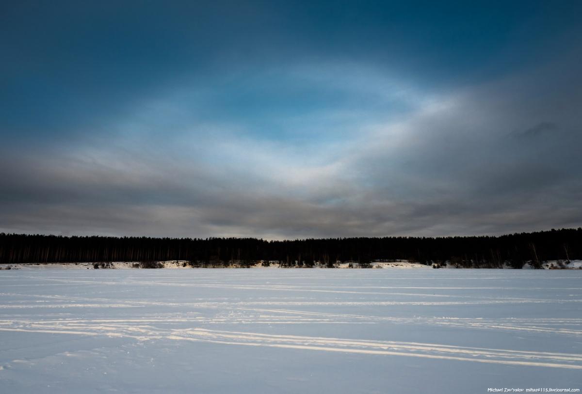 Туманная белая радуга над Прусовским карьером. 8 февраля 2017
