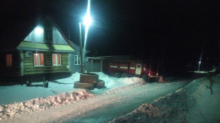 В Прикамье на пожаре в частном доме погибли двое мужчин