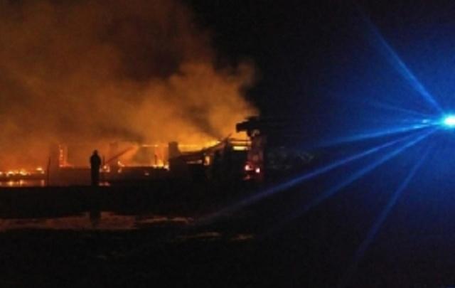 Пожарные четыре часа тушили ферму: погибли коровы