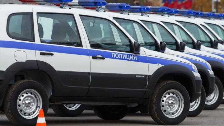 В Волгограде автомобили полиции обклеят служебной символикой на 3,7 миллиона