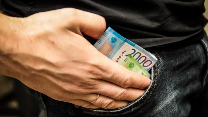 Донской адвокат обманул своих клиентов на 400 тысяч рублей