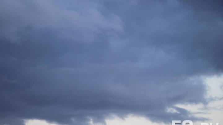 Грозы и град: МЧС Прикамья объявило штормовое предупреждение