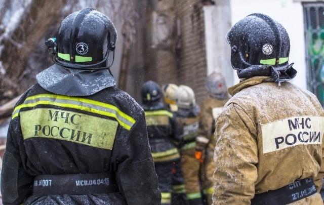 В дачном массиве на окраине Самары вспыхнул крупный пожар
