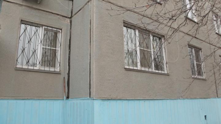 Прокуратура потребовала закрыть хоспис в квартире челябинской девятиэтажки