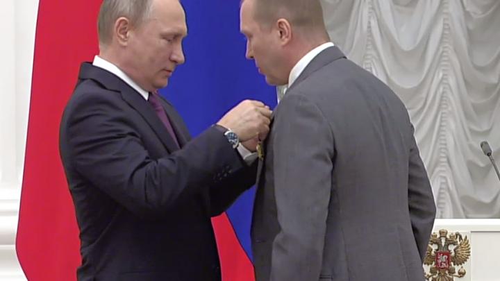 На обыски в студии ростовского режиссера Серебренникова Путин отреагировал словами «Да дураки»