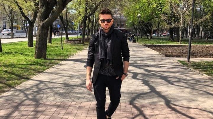 Певец и телеведущий Сергей Лазарев прогулялся по Большой Садовой в Ростове