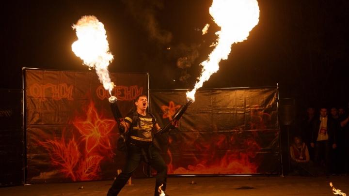 Зомби и рыцари с пылающими мечами зажгли в Волгограде «Огни осени»