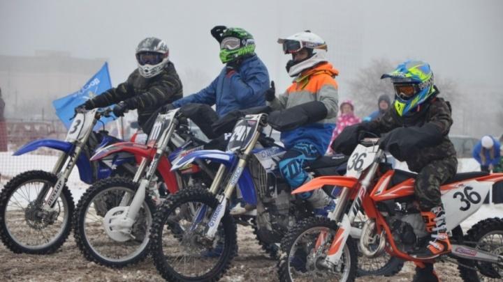 Волгоградцы решили заманить весну покатушками на мотоциклах