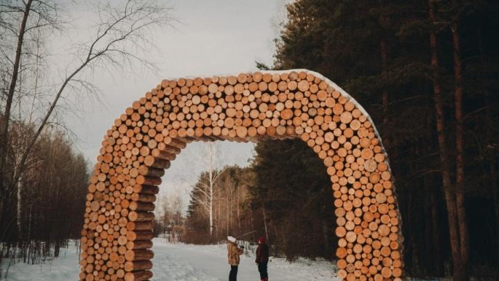 Деревянных зверей в экопарке «Затюменский» заменят