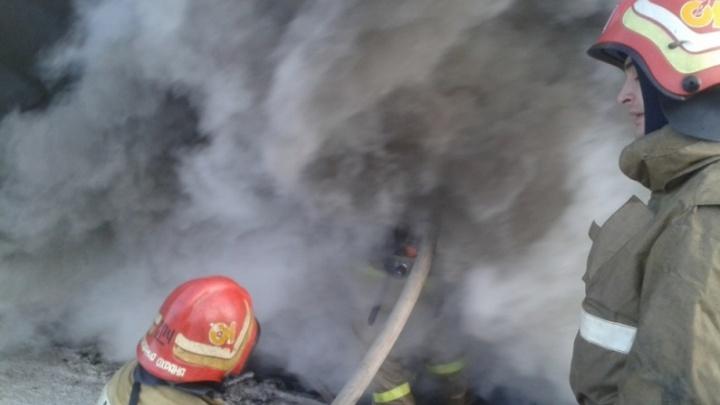 За ночь и утро в Тюмени сгорели две машины: «семерка» и «ЛИАЗ»