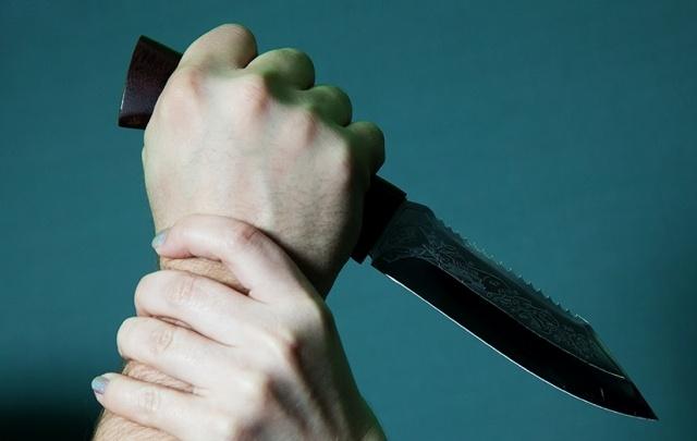 В Виноградовском районе в пылу ссоры жена ударила мужа ножом