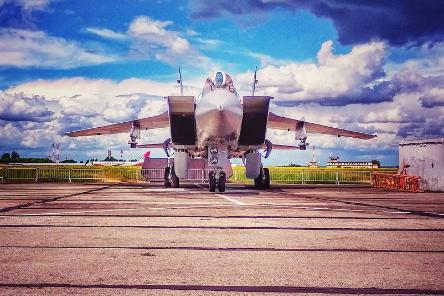 Прыжки с парашютом и пилотажное шоу: в Перми прошел фестиваль «Крылья Пармы»