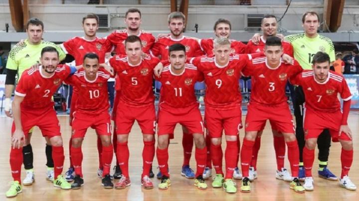 Игрок мини-футбольного клуба «Тюмень» Иван Милованов забил португальцам