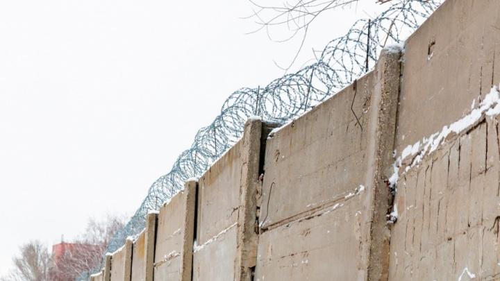Тюремные кутюрье: заключенные из Самарской области начали шить жилеты для автолюбителей