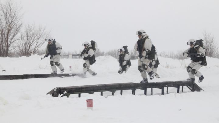 «Метали огонь с ходу»: под Самарой прошли армейские соревнования «Белое солнце — 2018»