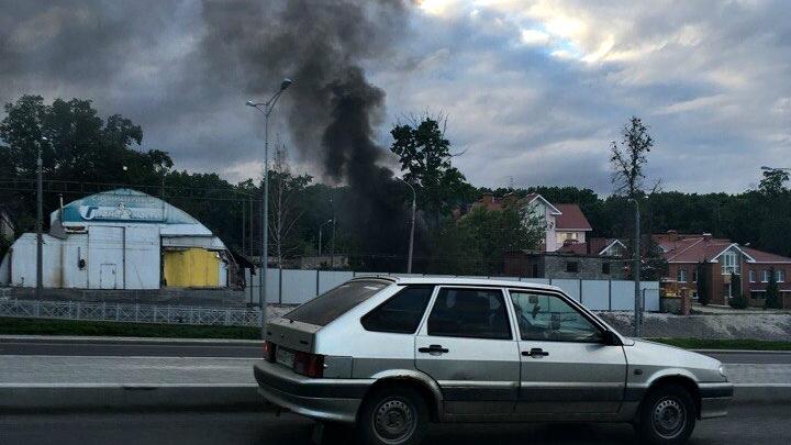 В Самаре возле стадиона «Самара Арена» сгорел сарай