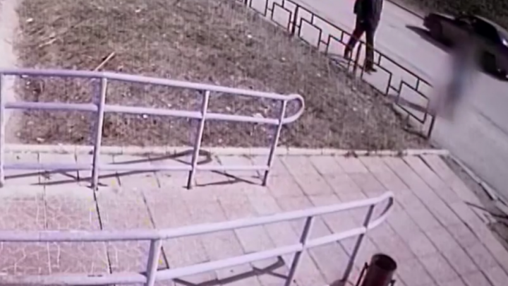 В Перми разыскивают мужчину, пристававшего к 13-летней девочке