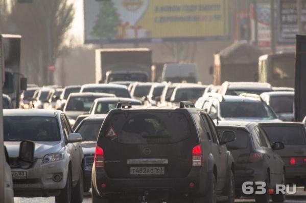 Пробки на шоссе придется потерпеть до лета