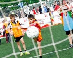 Coca-Cola Hellenic открывает детский футбольный сезон в Перми