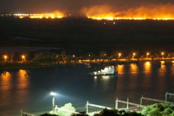 Пожар под Батайском был виден из Ростова