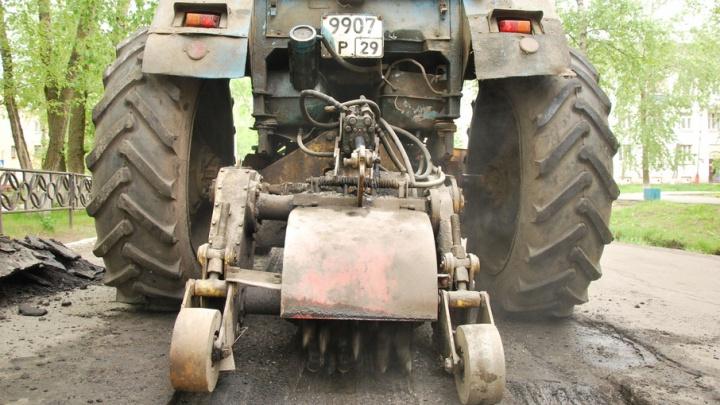 В Мезенском районе рабочий погиб под колесами тракторного прицепа