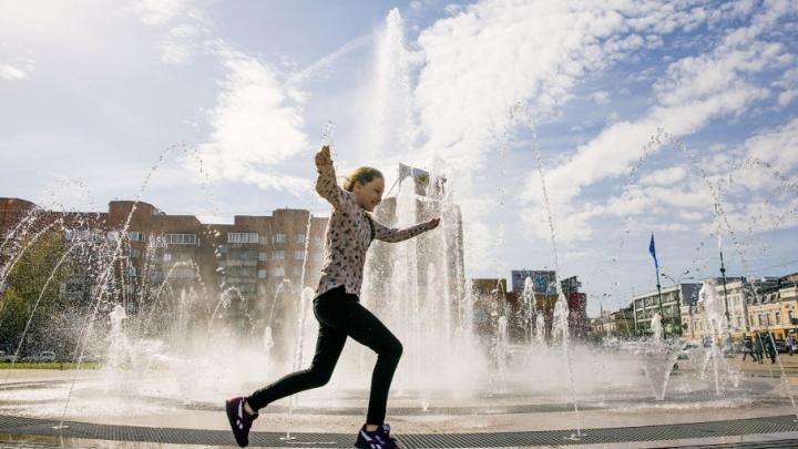 Ура, фонтаны включили! 10 самых освежающих фото
