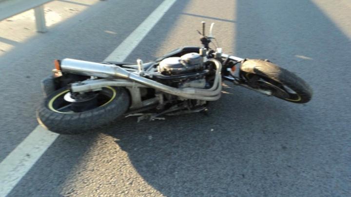 В Приморском районе мотоциклист сбил пешехода и покалечился сам