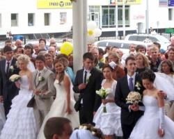 Мега-свадьба при поддержке Сбербанка России состоялась в Сургуте