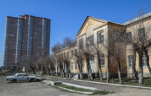 Обладминистрация меняет четыре монастырских казармы на акции «Корпорации развития»