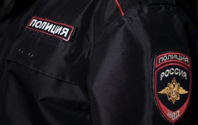 Выгнал женщину из машины: в Перми полиция проверяет конфликт таксиста и пассажирки