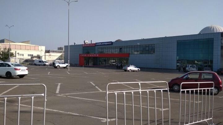 Сотрудников «ДонЭкспоцентра» эвакуировали из-за угрозы взрыва