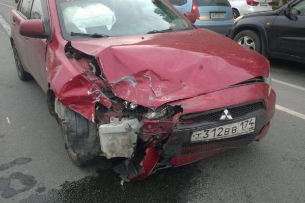 Юная пассажирка второго авто получила ранения